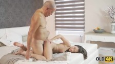 OLD4K. Chick wants to share a bed with daddy and dream come true