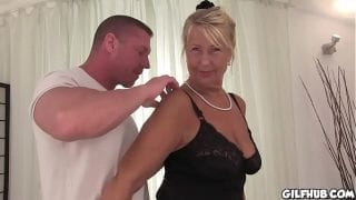Naughty granny fucked in hotel room