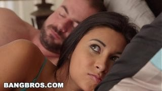 Stepdaughter Jade Jantzen sees her stepdad's dick (bbc13674)